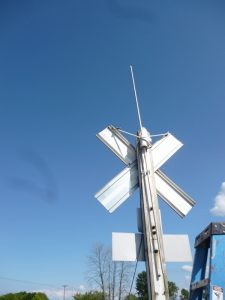 6 Meter Antenna mounted to the RR Crossing Sign